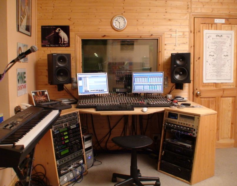 Small home recording studio design images - Home recording studio design ideas ...